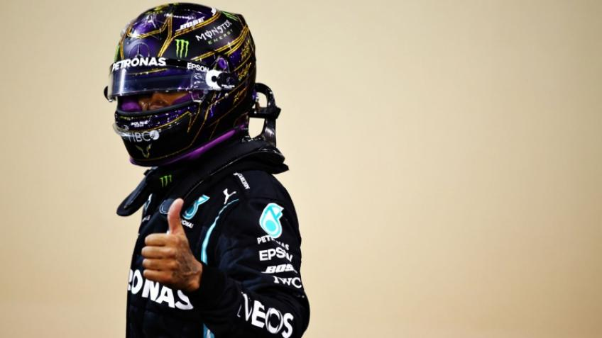 LEWIS HAMILTON RENEWS ITS CONTRACT WITH MERCEDES!