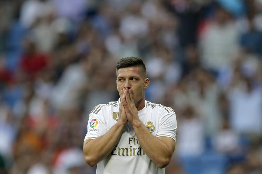 Jovic leaves Madrid and goes to either Manchester or Roma